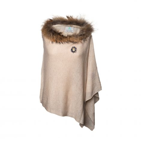 Lestere Antique White Fur Poncho with Winter Mix color Baroqco Brooch